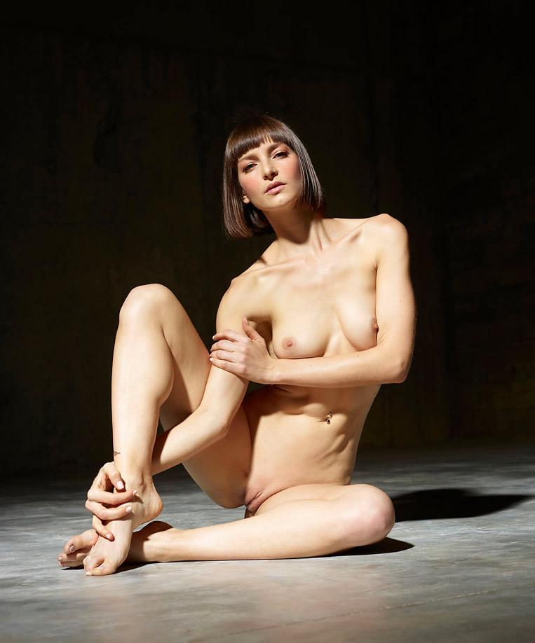 athlete female model naked