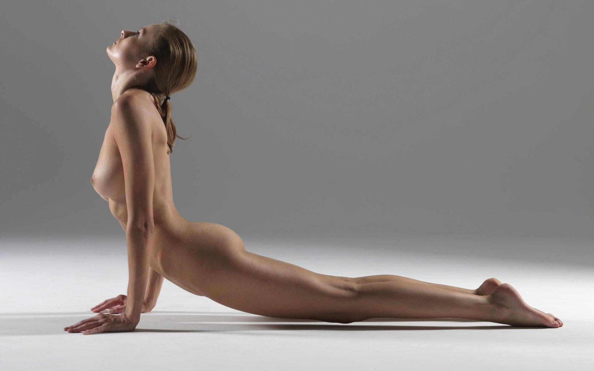 Фото голых йога 7
