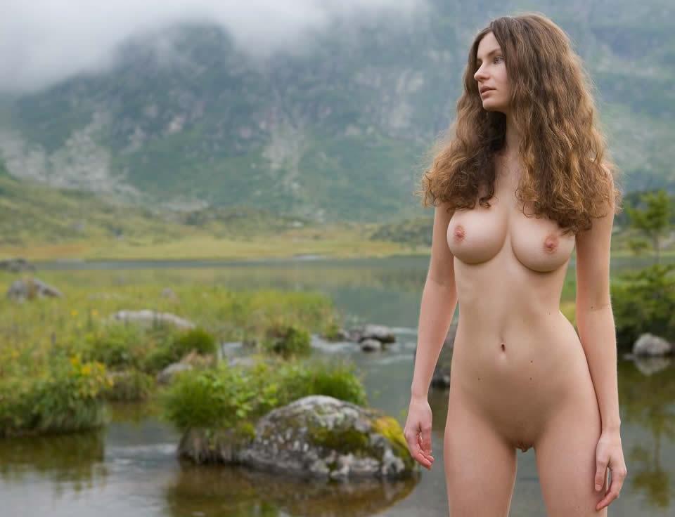 Hairy beauty nude girls