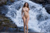 WaterfallGirl_Stephan-Soell2