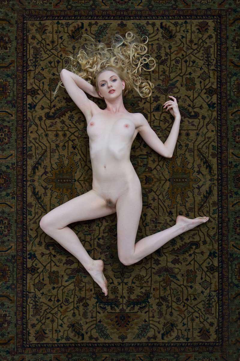 Women posing nude for art